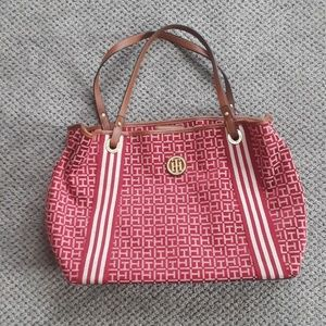 Red Tommy Hilfiger tote with three compartments